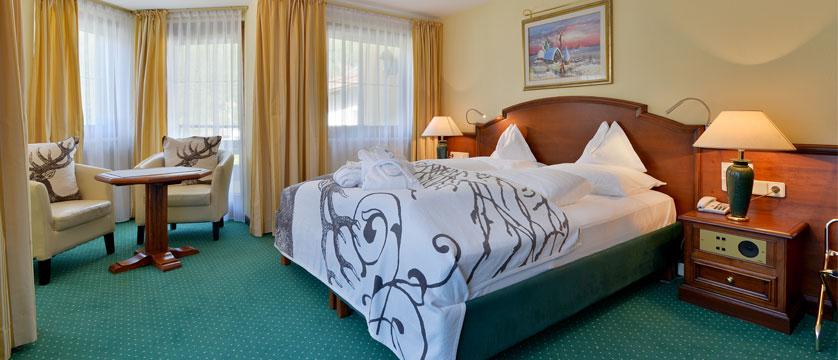 Sporthotel Manni's, Mayrhofen, Austria -  Bedroom.jpg